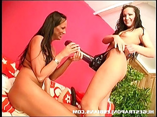Giant dildo makes her squirt